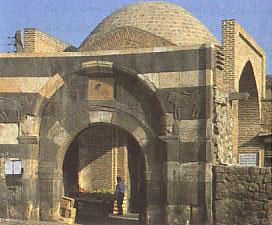 دروازه سنگي